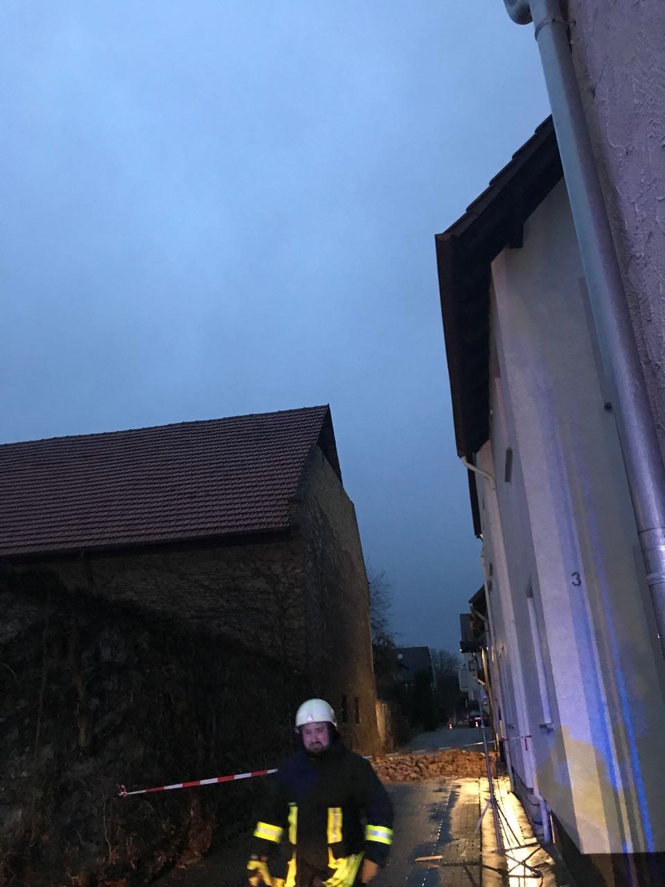 H2 Einsturz Giebel010-2018-01-03